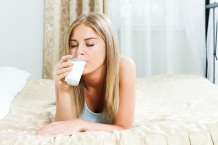 Во многих культурах мира, особенно на Западе, люди продолжают употреблять молоко во взрослом возрасте