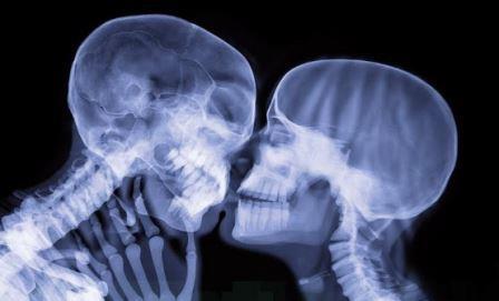 Длина рентгеновских лучей меньше, чем длина УФ-лучей, и обычно она больше, чем у гамма-лучей.