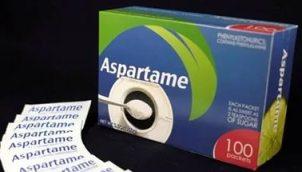 Аспартам является искусственным, не сахаридным подсластителем, используемым в качестве сахарозаменителя в составе некоторых продуктов питания и напитков.