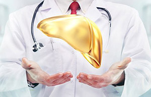 Лечение гепатита зависит от формы (острый/ хронический), тяжести заболевания и причины