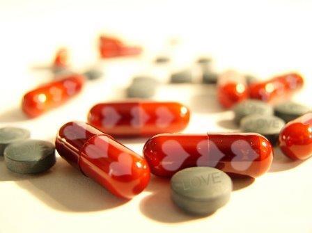 Существуют фармацевтические препараты и другие новые технологии, которые могут быть использованы для «усиления» или «уменьшения» наших связанных с любовью чувств, эмоций и привязанностей, но могут ли такие манипуляции быть оправданными?