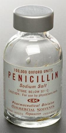 Пенициллиновые антибиотики были одними из первых лекарств, эффективных против многих бактериальных инфекций, вызванных стафилококками и стрептококками.