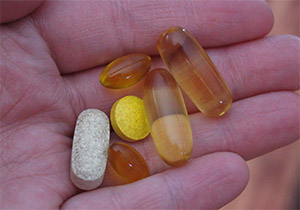 Витамин представляет собой органическое соединение, жизненно важное питательное вещество, необходимое человеку в ограниченном количестве